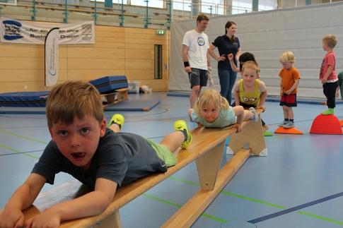 Baumstamm_Mini-Sportabzeichen©KSB Nienburg